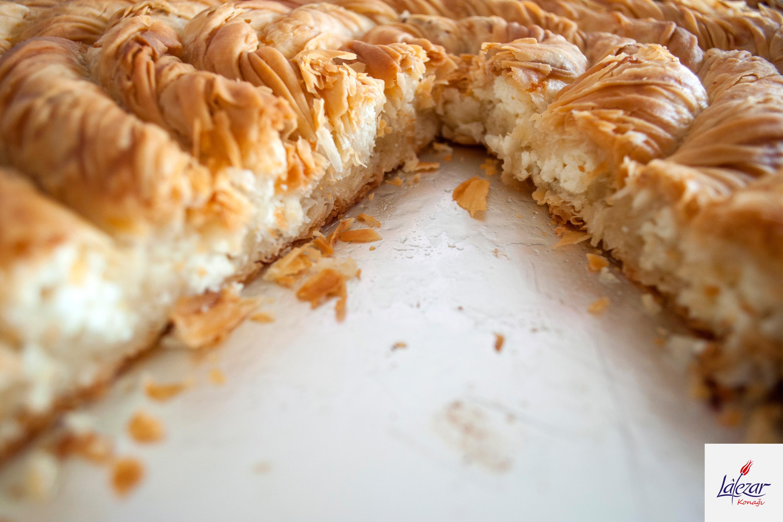 Peynirli Hanedan Böreği    Lalezar Konağı